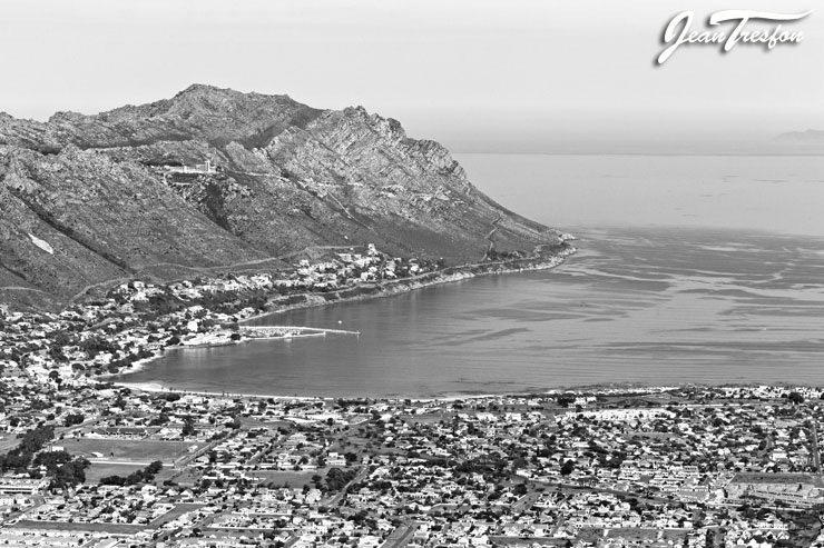 Gordon's Bay and Somerset West seen from 1800ft above Helderberg Village | ©Jean Tresfon